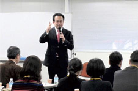 株式会社船井総合研究での研修の様子